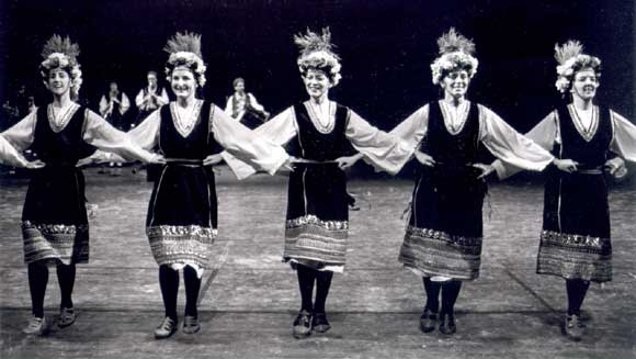 Cetvorno Horo: Five of twelve women in the solo line.